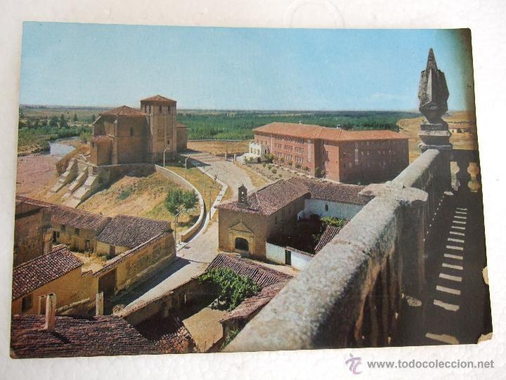 POSTAL PALENCIA - CARRION DE LOS CONDES - VISTA PARCIAL Y SANTUARIO - 1967 - SIN CIRCULAR (Postales - España - Castilla y León Moderna (desde 1940))