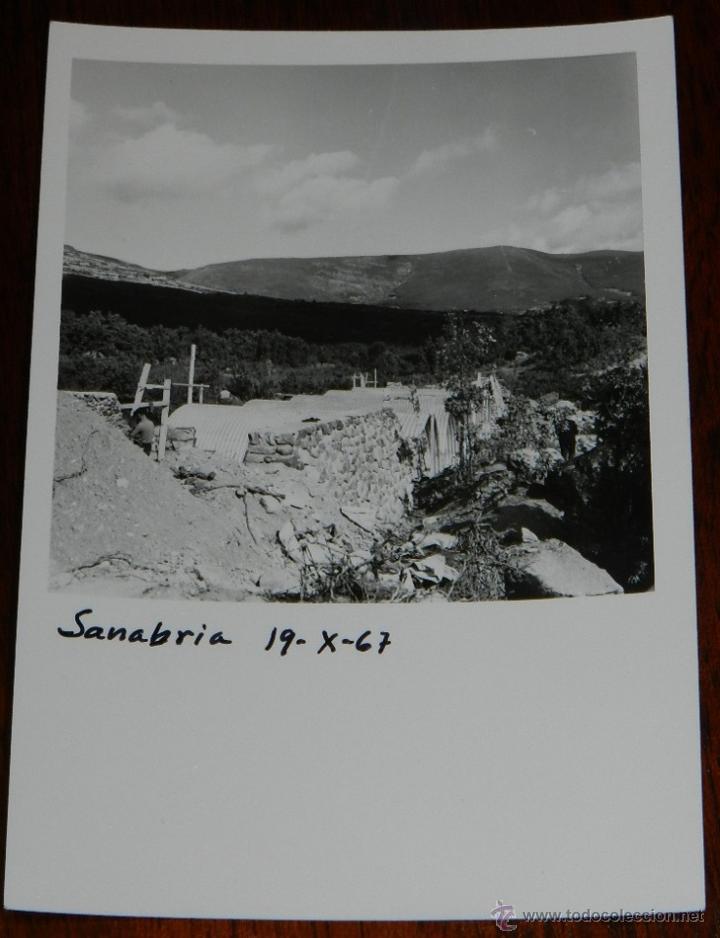 ANTIGUA FOTOGRAFIA DE OBRAS DE CANALIZACION EN EL LAGO DE SANABRIA, ZAMORA, AÑO 1967, MIDE 13 X 9 CM (Postales - España - Castilla y León Antigua (hasta 1939))