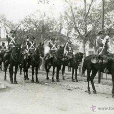 Postales: POSTAL FOTOGRAFICA VALLADOLID MILITARES 14 REGIMIENTO LIGERO 1932. Lote 40291411
