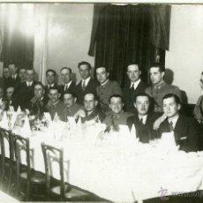 Postales: POSTAL FOTOGRAFICA VALLADOLID COMIDA MILITARES EN LA ACADEMIA 1931. Lote 40291778