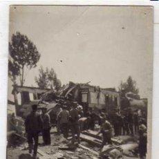 Postales: POSTAL FOTOGRÁFICA. DESCARRILAMIENTO DEL TREN EXPRESO EN PAREDES DE NAVA 1922. Lote 42265724