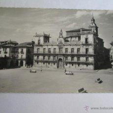 Postales: LEON PLAZA MAYOR Y CONSISTORIO 13. Lote 43300753