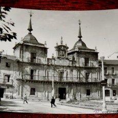 Postales: FOTO POSTAL DE PONFERRADA (LEON) CASA AYUNTAMIENTO, ED. ARRIBAS 1015, SIN CIRCULAR. Lote 43561009