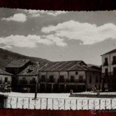 Postales: FOTO POSTAL DE RIAZA, SEGOVIA, PLAZA DEL GENERALISIMO, FOTO. L. MORENO, CIRCULADA. Lote 44673441