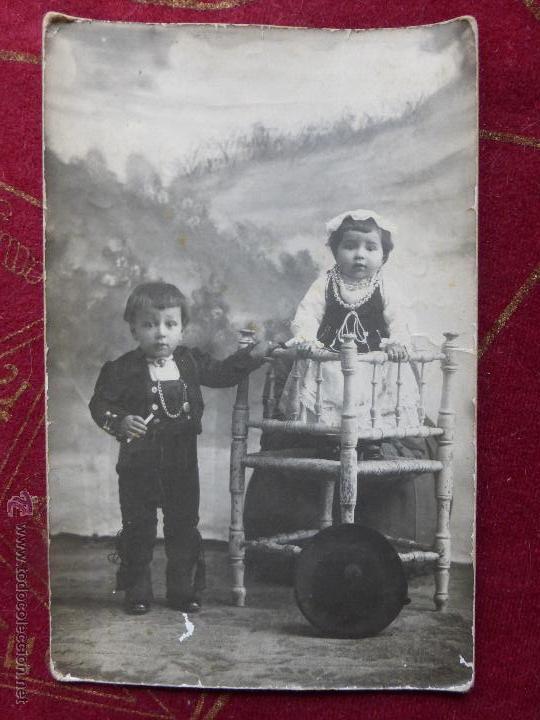 Antigua Foto Postal De Una Pareja De Niños Vest Vendido En