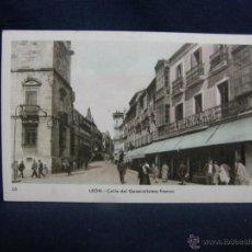 Postales: POSTAL 16 LEON CALLE DEL GENERALISIMO FRANCO M. ARRIBAS LORENZANA COLOREADA NO CIRCULADA. Lote 49130580