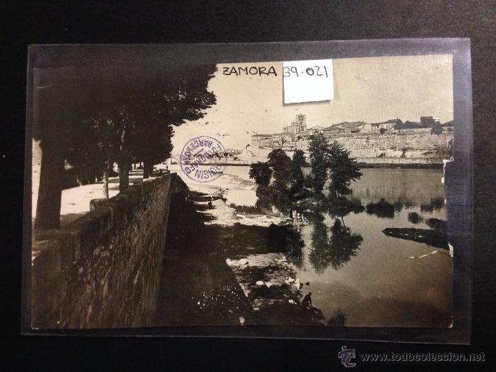 ZAMORA - RIO DUERO - LAVANDERAS - FOTOGRAFICA SELLO EN SECO ROISIN - (39021) (Postales - España - Castilla y León Antigua (hasta 1939))