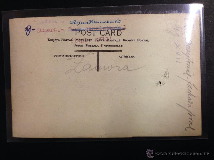Postales: ZAMORA - PLAZA MAYOR - AYUNTAMIENTO - FOTOGRAFICA SELLO EN SECO ROISIN - (39024) - Foto 2 - 52978012