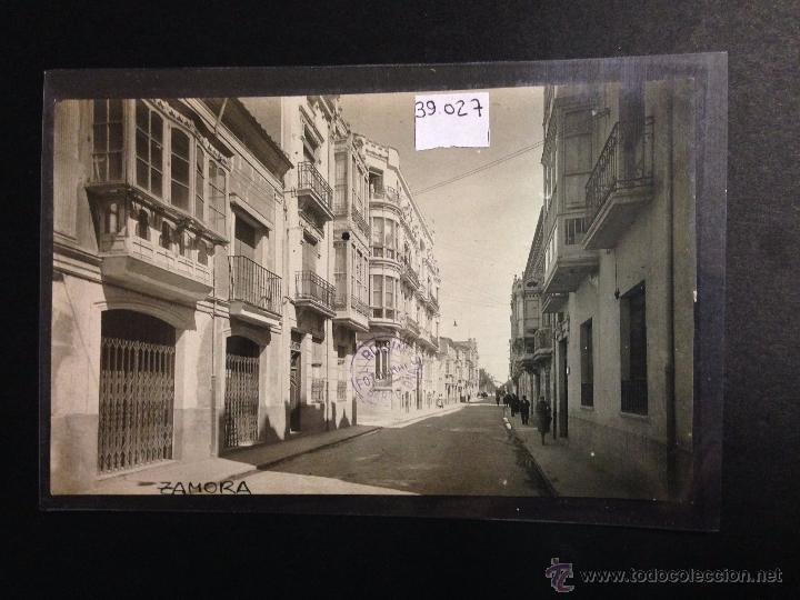 ZAMORA - CALLE DE SANTA CLARA - FOTOGRAFICA SELLO EN SECO ROISIN - (39027) (Postales - España - Castilla y León Antigua (hasta 1939))
