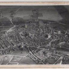Postales: FOTOGRAFÍA 17,50 X 12 CM VISTA AÉREA MEDINA DE RIOSECO VALLADOLID. AÑO 1920/30. Lote 79207377