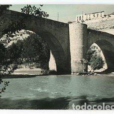 Postales: BURGOS ROA PUENTE SOBRE EL RIO DUERO ED. VISTABELLA. ESCRITA. Lote 84338328