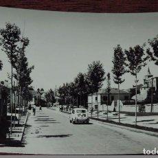 Postales: FOTO POSTAL DE EL ESPINAR, SEGOVIA, AVDA DEL GENERAL MOLA, N. 19, ED. VISTABELLA, NO CIRCULADA, ESCR. Lote 91191290