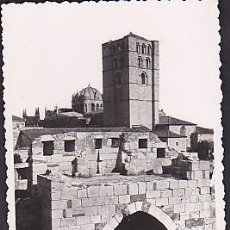 Postales: POSTAL ZAMORA LA CATEDRAL DESDE EL CASTILLO. Lote 92397600
