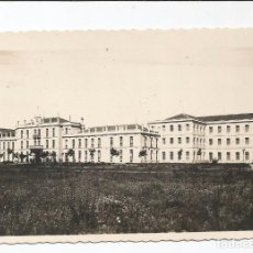 Postales: LEÓN - FACHADA DEL CUARTEL DE SANTOCILDES - Nº 12 ED. ARRIBAS. Lote 99641955