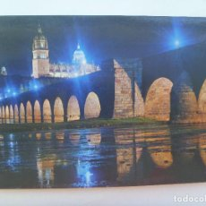 Postales: POSTAL DE SALAMANCA : ASPECTO NOCTURNO DEL RIO TORMES Y PUENTE ROMANO. Lote 128597323