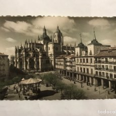 Postales: SEGOVIA. POSTAL NO.42, PLAZA DEL GENERAL FRANCO. EDITA: GARCIA GARRABELLA (A.1955). Lote 140643561