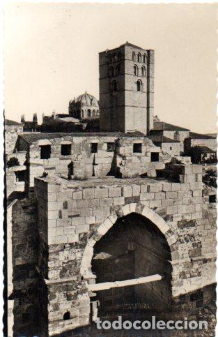 TARJETA POSTAL DE ZAMORA. LA CATEDRAL DESDE EL CASTILLO. (Postales - España - Castilla y León Moderna (desde 1940))