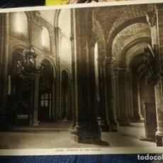 Postales: FOTO POSTAL LEON INTERIOR DE SAN ISIDRO HUECOGRABADO MUMBRU,FOTO WINOCIO.23 X 17,50. Lote 141708058