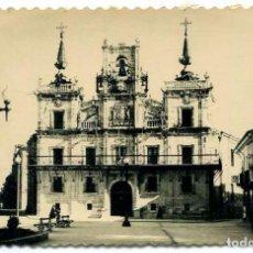 Postales: TARJETA POSTAL FOTOGRAFICA - ASTORGA / AYUNTAMIENTO. Lote 143256338