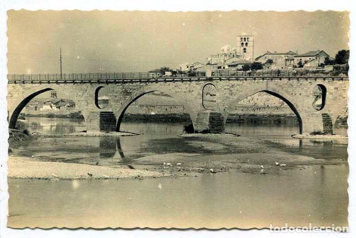 TARJETA POSTAL FOTOGRAFICA - ZAMORA / PUENTE ROMANO Y CATEDRAL (Postales - España - Castilla y León Moderna (desde 1940))