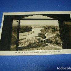 Postales: ANTIGUA FOTO POSTAL DE CIUDAD RODRIGO (SALAMANCA) VISTA DESDE UN BALCON DEL HOTEL, FOTOGRAFIA PAZOS,. Lote 147505350