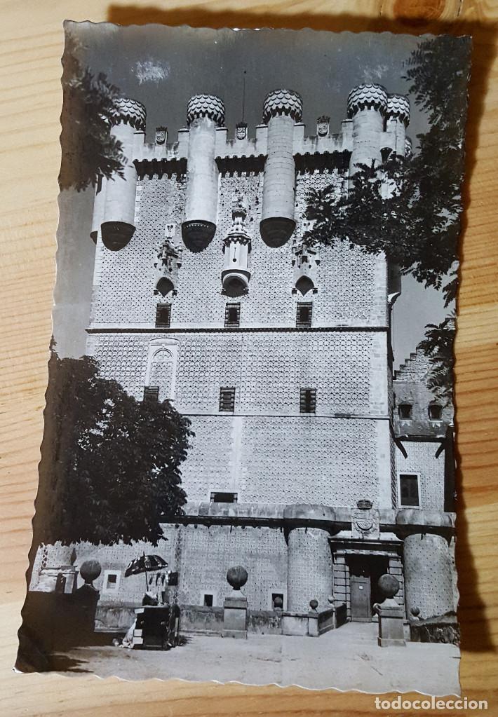 SEGOVIA ENTRADA PRINCIPAL DEL ALCAZAR ED. ARRIBAS Nº 140 (Postales - España - Castilla y León Moderna (desde 1940))