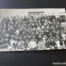 Cartoline: ZARATAN VALLADOLID AÑOS 20 POSTAL FOTOGRAFICA MAESTRO CON ALUMNOS ESCUELA. Lote 153673578