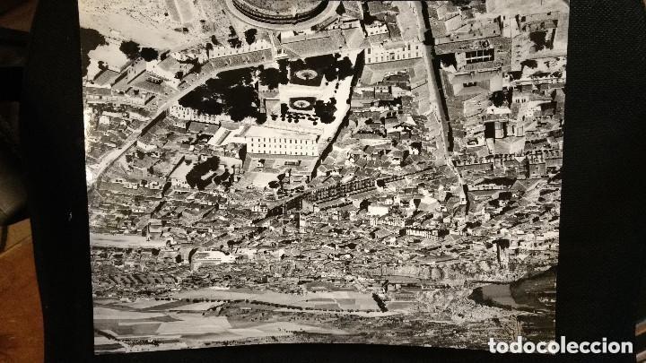 FOTOGRAFÍA AEREA 39 X 29,50 CM VISTA DE TORO. ZAMORA. PAISAJES ESPAÑOLES. (Postales - España - Castilla y León Antigua (hasta 1939))