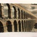 Postales: SEGOVIA. POSTAL COLOREADA NO.1 ACUEDUCTO ROMANO. EDITA: GARCIA GARRABELLA (A.1955) ESCRITA. Lote 166848449