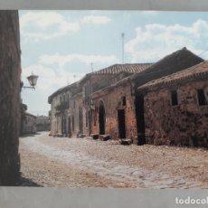 Postales: CASTRILLO DE LOS POLVAZALES. PANORÁMICA DE LA CALLE REAL.. Lote 171101748
