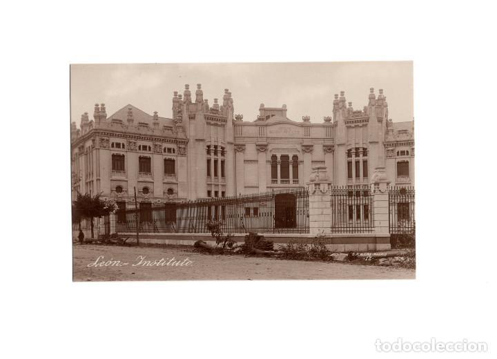 LEÓN.- INSTITUTO. FOTO MÁRGARA. (Postales - España - Castilla y León Antigua (hasta 1939))