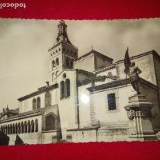 Postales: POSTAL .SEGOVIA. IGLESIA DE SAN MARTIN.USADA.. Lote 176411975