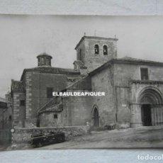 Postales: 12 SORIA IGLESIA DE SAN JUAN DE RABANERA. CIRCULADA. LAND ROVER SERIE I. 1956. CCTT. Lote 190500987