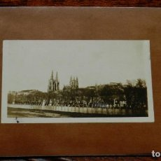 Postales: FOTOGRAFIA ALBUMINA DE BURGOS, RIO ARLANZON, PEGADA SOBRE TARJETA POSTAL. NO CIRCULADA.. Lote 192339395