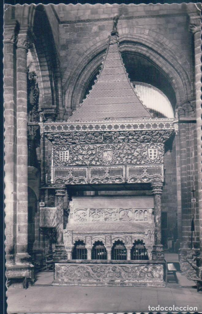 POSTAL AVILA - BASILICA DE SAN VICENTE - SEPULCRO DE LOS SANTOS VICENTE, SABINA Y CRISTETA (Postales - España - Castilla y León Antigua (hasta 1939))