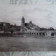 Postales: SALAMANCA, PUENTE ROMANO, AÑOS 50, USADA. HELIOTIPIA ARTISTICA DE MADRID. Lote 194877118