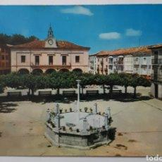 Postales: VILLARCAYO (BURGOS) PLAZA. CIRCA: 1964. Lote 195514978