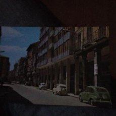Postales: TARJETA POSTAL, CALLE MAYOR, SEAT 600, PALENCIA EDICIONES: GARCIA GARRABELLA, COLOR,. Lote 205314955