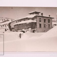 Postales: POSTAL FOTOGRÁFICA - INVIERNO EN CERVERA DE PISUERGA - FOTO PIEDAD ISLA - CIRCULADA, 1966. Lote 206786380