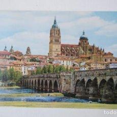 Postales: POSTAL DE SALAMANCA. VISTA PARCIAL Y PUENTE ROMANO. Lote 213910580