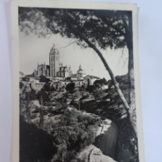 Cartes Postales: ANTIGUA POSTAL FOTOGRÁFICA, SEGOVIA, VISTA PARCIAL , VER FOTOS. Lote 222062842