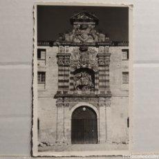 Postales: MONASTERIO CISTERCENSE DE SAN PEDRO DE CARDEÑA (BURGOS) DETALLE DE LA PORTADA PRINCIPAL. PHOTO CLUB. Lote 227637965