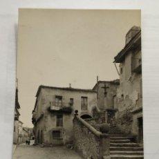 Postales: SEGOVIA - SEPULVEDA - SUBIDA A SAN BARTOLOME Nº6 - 1963 - CIRCULADA. Lote 246011385