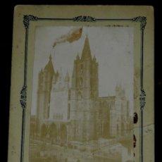 Postales: FOTOGRAFIA ALBUMINA DE LA CATEDRAL DE LEON, RECUERDO DE LA INAGURACION EN 1901, FOTO G, GRACIA, IMP.. Lote 257604710