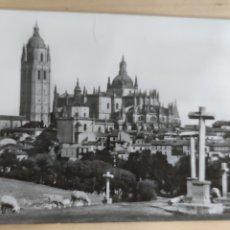 Postales: POSTAL SEGOVIA LA CATEDRAL DESDE EL CALVARIO 1961. N.12. Lote 278631043