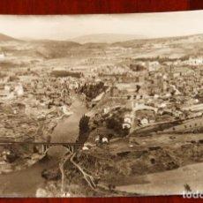 Postales: FOTO POSTAL DE PONFERRADA, VISTA GENERAL, ED. ARRIBAS, CIRCULADA.. Lote 288884628