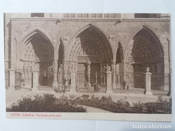 POSTAL LEON, CATEDRAL, FACHADA PRINCIPAL, PUBLICIDAD CEREGUMIL, AÑOS 30, ESCRITA (Postales - España - Castilla y León Antigua (hasta 1939))