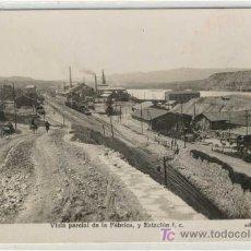 Postales: (PS-4492)POSTAL DE FLIX(TARRAGONA)-VISTA PARCIAL DE LA FABRICA Y ESTACION FERROCARRIL. Lote 7302619