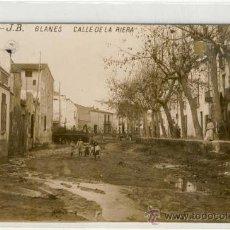 Postales: (PS-6425)POSTAL FOTOGRAFICA DE BLANES-CALLE DE LA RIERA. Lote 8766344