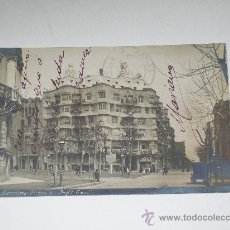 Postales: BARCELONA : Pº DE GRACIA.ARQUITECTO GAUDÍ. FOTOGRAFÍA B Y P. 8 CIRCULADA EN 1911. Lote 17001639